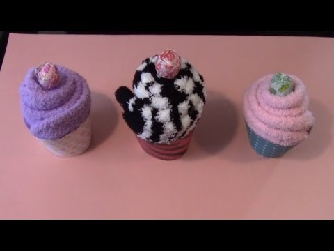 Simple Crafts: Cozy Sock Cupcake w/Rebsraggs episode 3