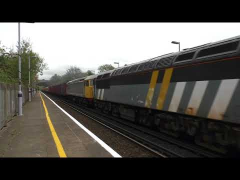 (HD) Rail Operations Group 56301 & 56081 THRASH through Knockholt with 707028/029  - 14/10/17