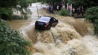 Download THE BIGGEST AND MOST DANGEROUS FLASH FLOODS AND LAND SLIDES EVER CAUGHT ON CAMERA 2017 Video
