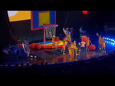 Katy Perry -Swish Swish and Fan onstage. Live at London O2