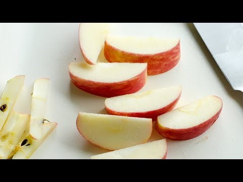 How to Keep Apples from Browning in the Lunchbox +  Homemade Apple Cups