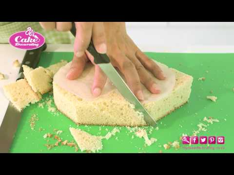 Carving a shaped cake