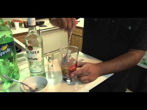 How to Make A Strawberry Mojito