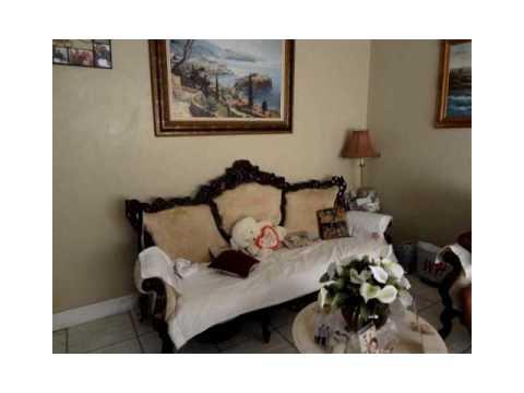 2048 NE 168th St,North Miami Beach,FL 33162 Residential Income For Sale