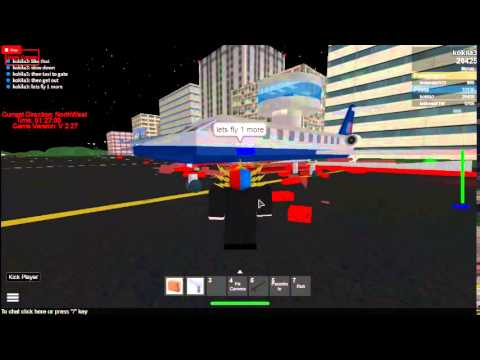 How to fly a plane in dynamic flight simulator roblox!