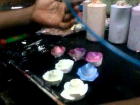 Using colour spray for fresh cream flowers
