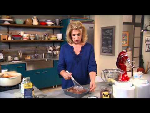 Easy Chocolate Cake Recipe⎢Martha Stewart