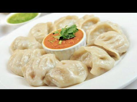 TASTY Chicken Momos at Home | Chicken Dumplings Recipe | Steamed Momos - Nepali Style! - VLOG #10