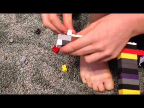 Making LEGO rubber band GUN