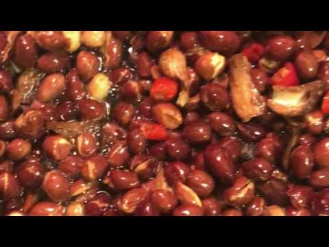 Homemade Spicy Peanuts: