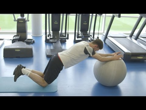 How to build a stronger core | Gym workout | Nike Academy