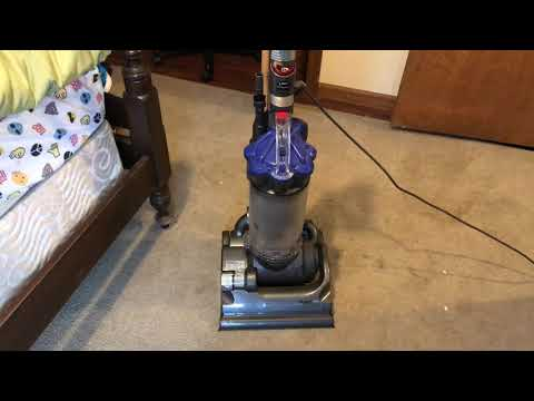 Cleaning with the Dyson DC33