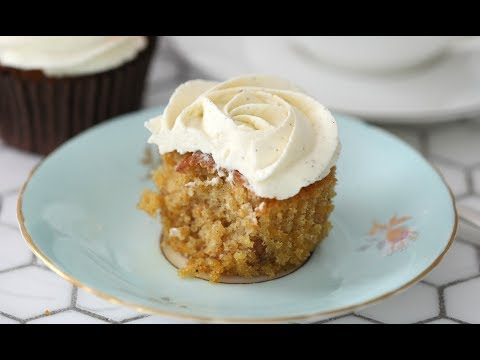 MOIST CARROT CUPCAKE WITH VANILLA FROSTING
