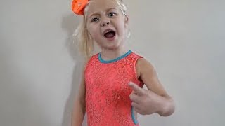 Download HILARIOUS FAMILY DANCE CLASS TAUGHT BY 4 YEAR OLD! Video