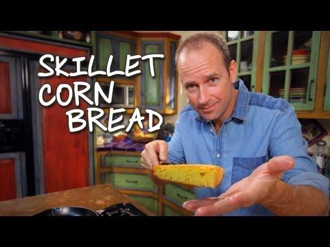 How to make Skillet Corn Bread / Cómo hacer Pan de Elote - Baja Cocina con James Carson