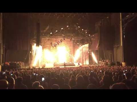 Disturbed concert opening - Inside The Fire (live)