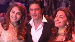 Shahrukh Khan & Juhi Chawla spent quality time at the party