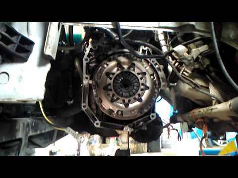 HOW TO INSTALL A CLUTCH,PRESSURE PLATE NISSAN