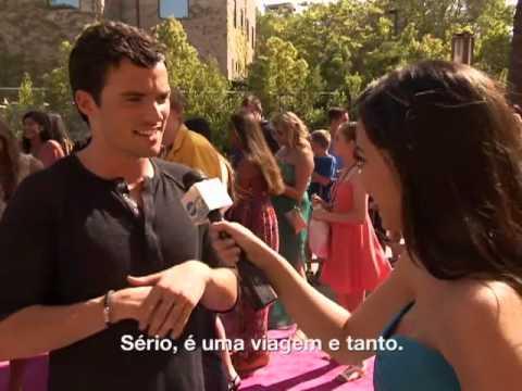 Ian Harding conta que gostaria de visitar o Brasil!