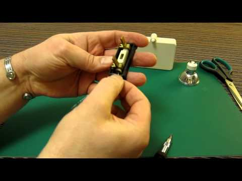Replace Wylex fuse wire. How to Change Fuse wire in a Wylex UK house fuse.
