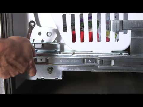Freezer door adjustment – Bottom Freezer Refrigerators