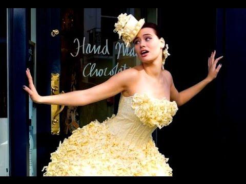 10 Bizarre Wedding Dresses