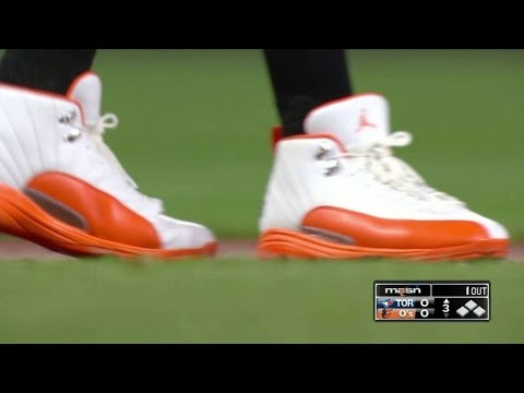 TOR@BAL: Machado's cleats have many cool features