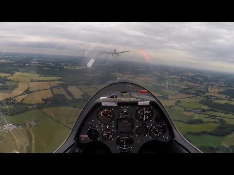 Gliding Course - aerotow, some turns and landing.