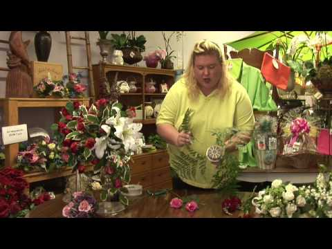 Floral Arrangements : How to a Make Cascading Bouquets