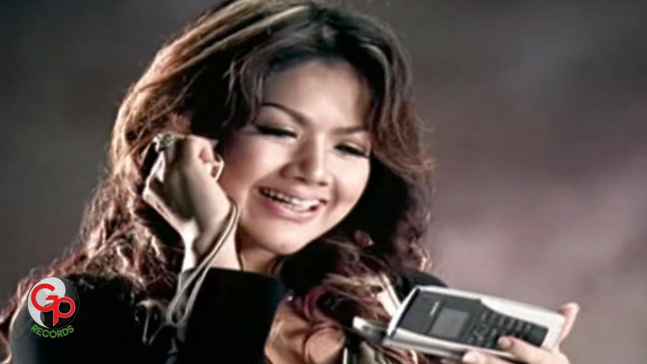 Download Ada Band - Karena Wanita Ingin Dimengerti (Official Music Video) MP3 Gratis