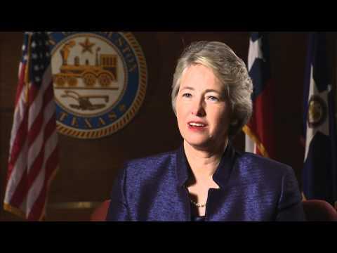 Annise Parker, Mayor of Houston, and ETOM Energy Hero