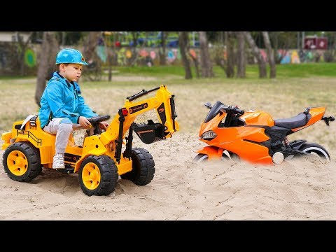 SPORTBIKE stuck in the sand Funny Kid ride on Power Wheels TRACTOR to help Cars video for kids
