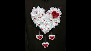 DIY dekorasi 17 agustusan: Hiasan pintu dari kertas krep merah putih