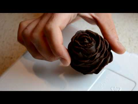 How To Make Pine Cones For Decorating Cakes