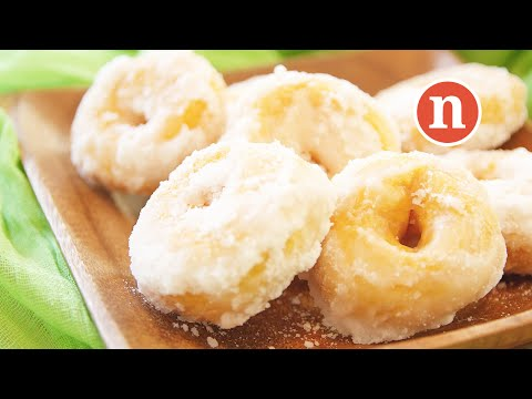 Sweet Potato Donuts | Kuih Keria | Kuih Gelang | Donut Kampung [Nyonya Cooking]