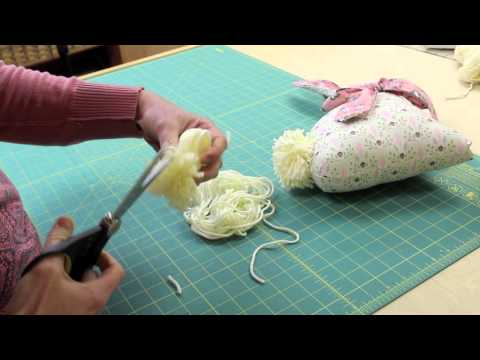 How to make Pom Pom Tail for the Modern Folksy Bunny