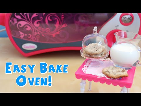 Easy Bake Oven Baking Teeny Tiny Chocolate Chip Cookies