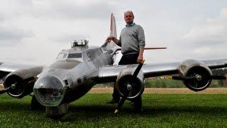 """19 ft. B-17 """"Flying Fortress"""" (Aluminum Overcast)"""