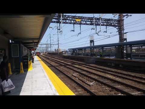 New York bound Metro North train arriving at South Norwalk