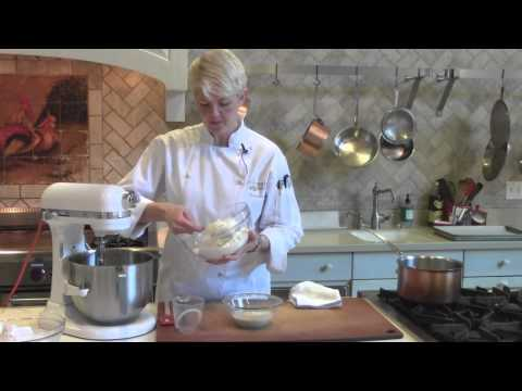 How to Make Dinner Rolls