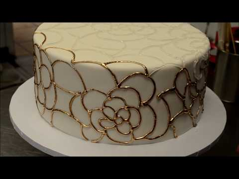 Wedding Cake Gold Piping Tutorial