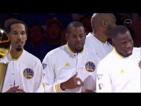 Golden State Warriors unveil 2015 NBA championship banner at Oracle Arena