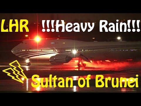 Heavy Rain Plane Spotting - London Heathrow 09R Night Departures - Water Spray