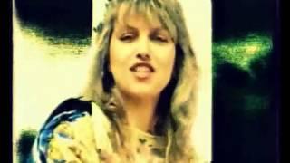Καίτη Γαρμπή - Στο σαν τροπέ / Saint tropez twist | Official Video Clip