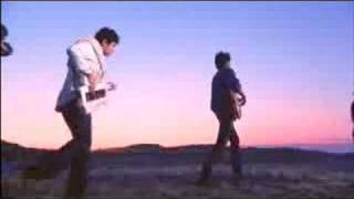 Download Vampire Weekend - Cape Cod Kwassa Kwassa Video
