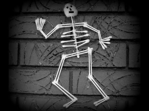 How to make a skeleton Cotton Swab Halloween Craft!