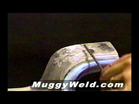 Cómo soldar un bisel de faro de metal blanco