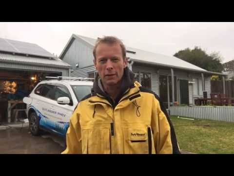 Greeny Flat - Home Energy Retrofit - Episode 1 - Asbestos Removal, Insulation and Sarking