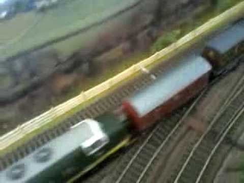 Homemade OO / HO Scale Track Cleaning Wagon In Action