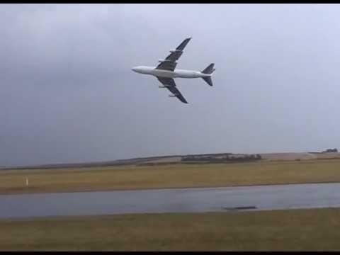 Boeing 747-400 duxford